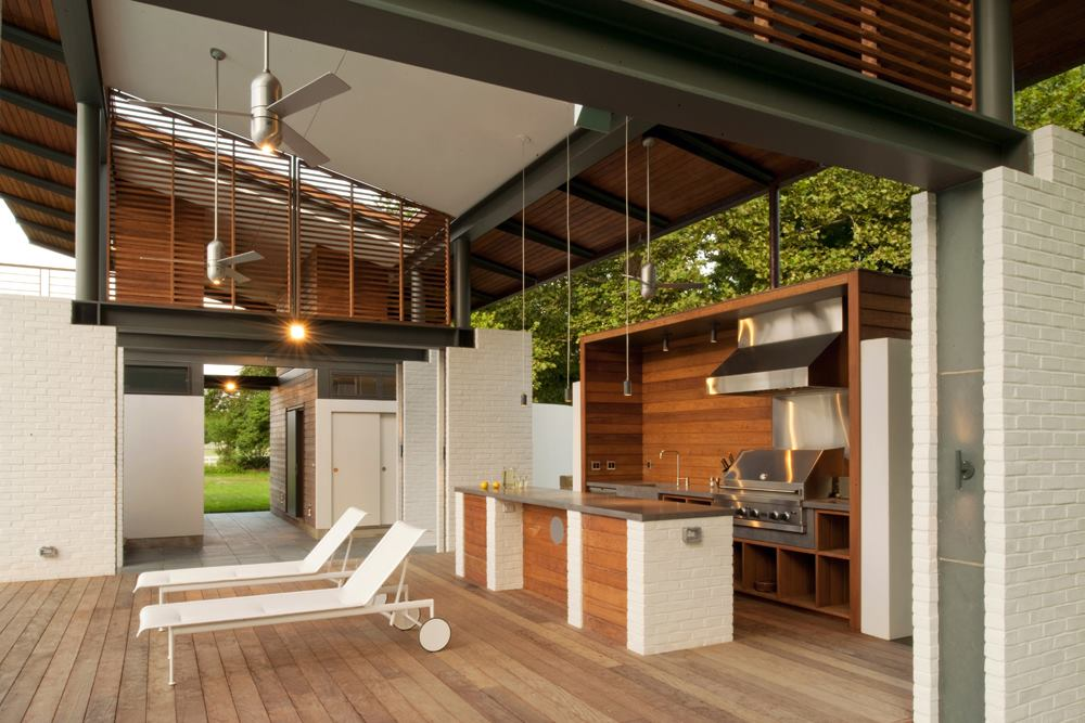 Indoor-Outdoor Kitchens | Custom Home Magazine