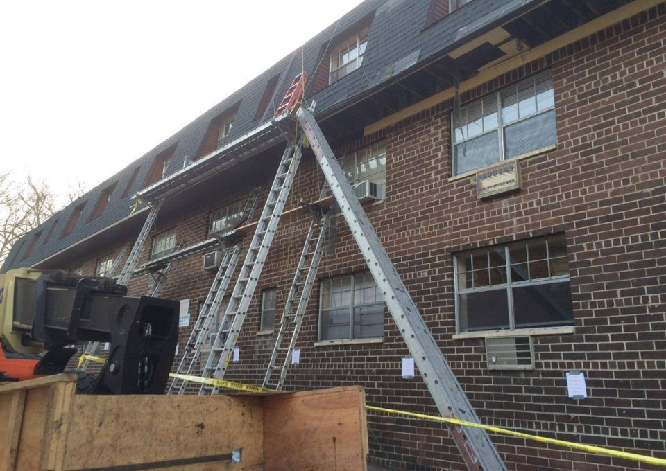 Ladder Jack Work Platform Collapse Hurts Seven In New