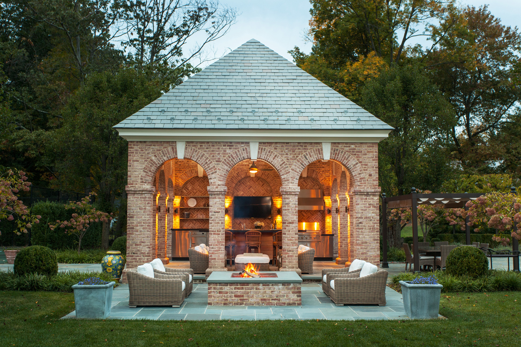 Pool pavilion on a classic georgian estate architect for Pool and pool house