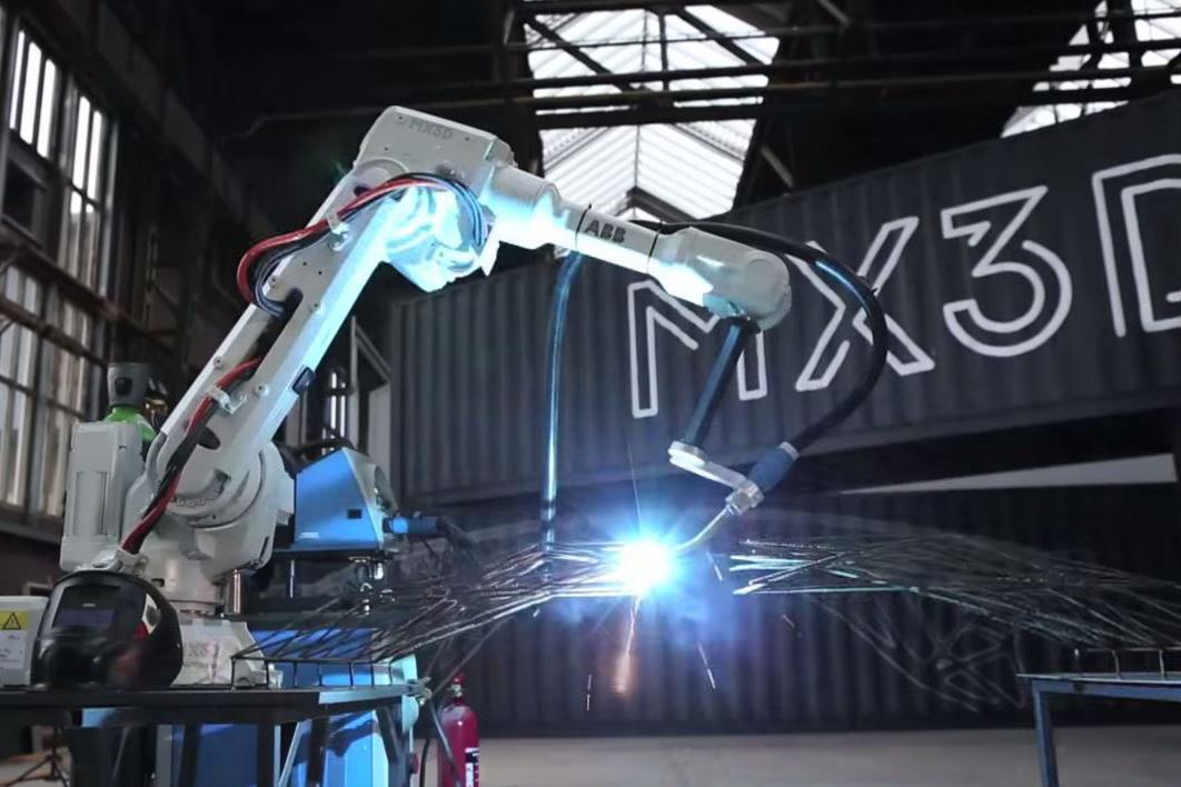This Week in Tech: 3D Printing a Steel Bridge
