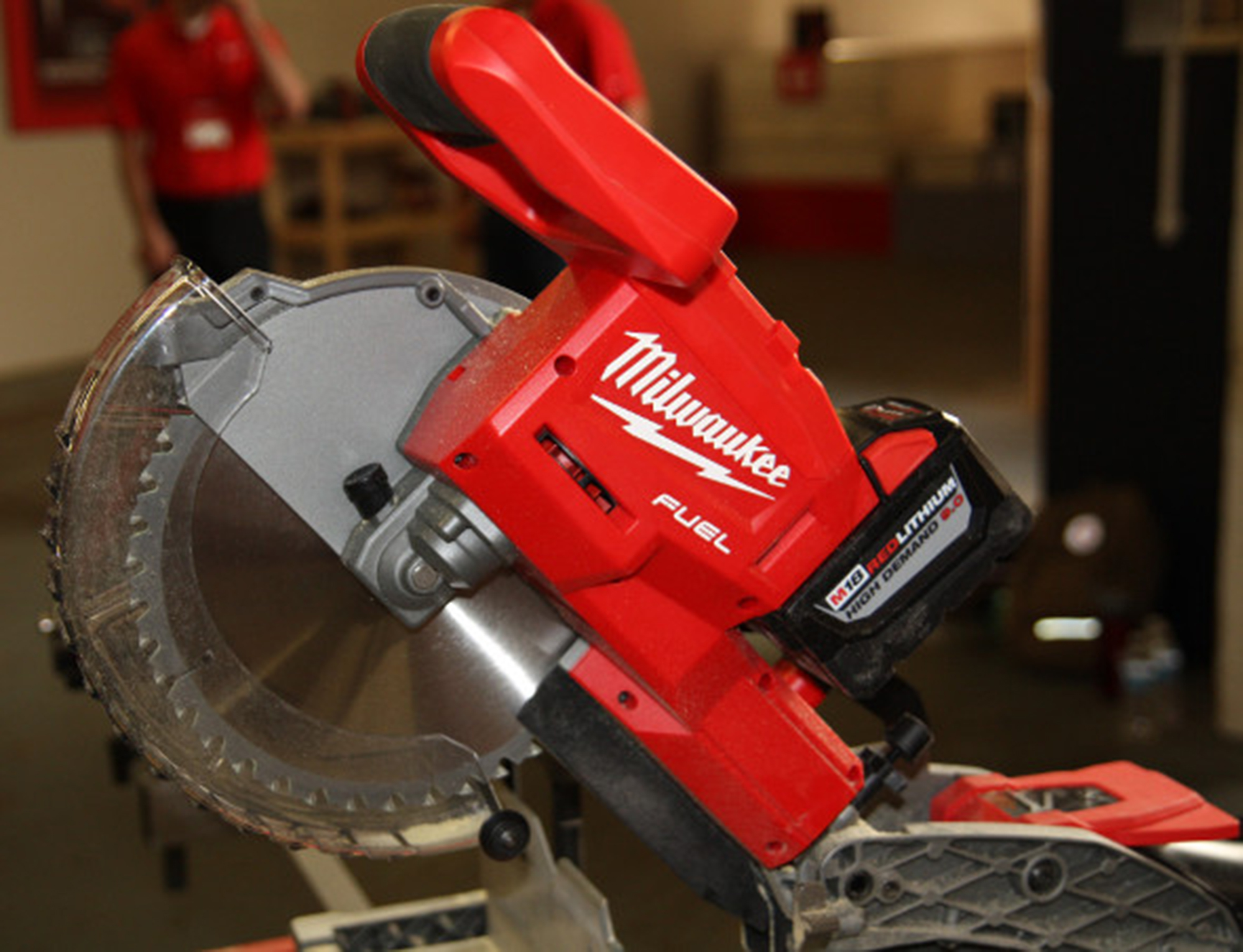 The World S First Cordless 10 Inch Sliding Compound Miter