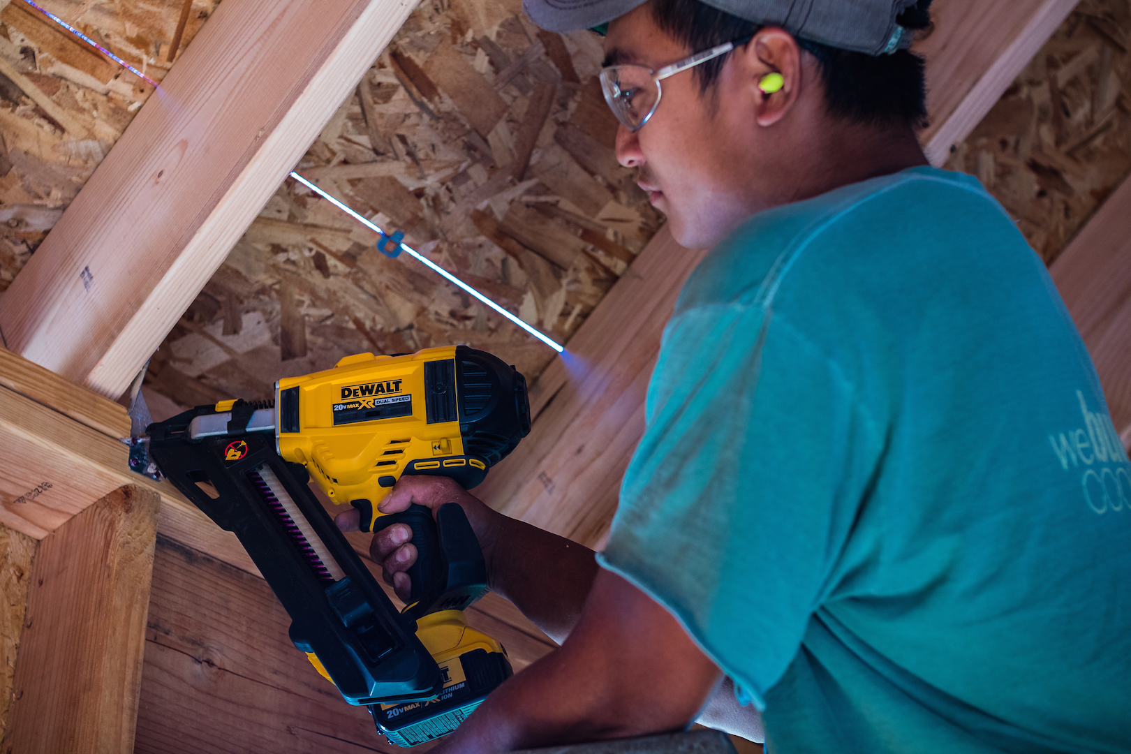Dewalt Cordless Positive Placement Nailer Jlc Online