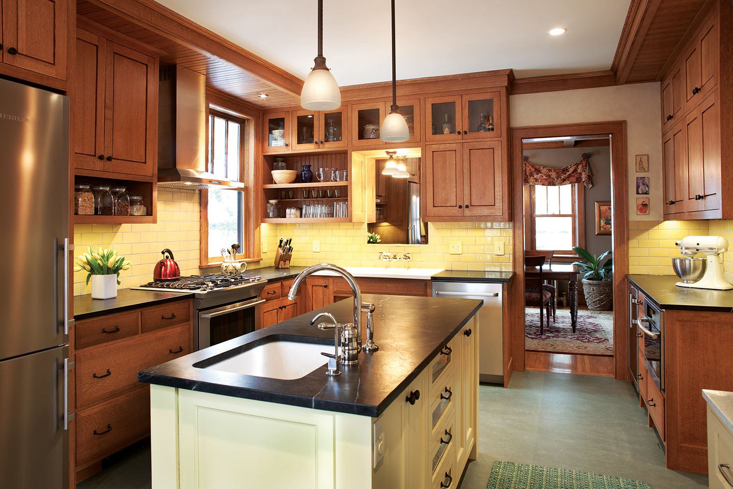 A minneapolis kitchen remodel captures the true craftsman for Home garden kitchen design