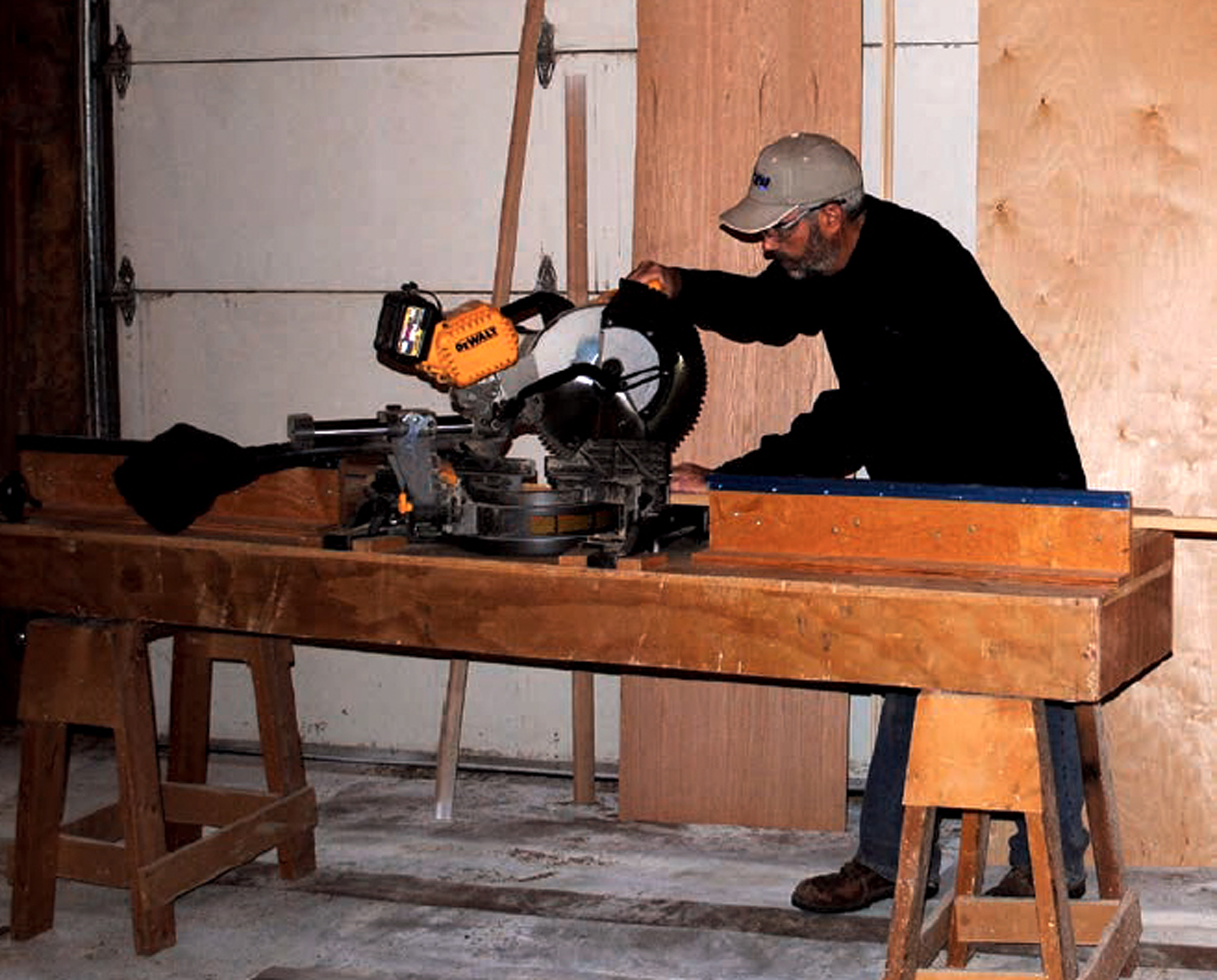 Two Must Have Saw Stands For Finish Carpentry Tools Of