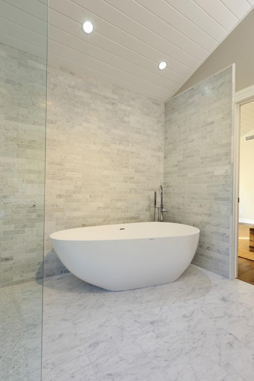 Elegant Bath Remodel Restores Home\'s Cohesive Aesthetic | Remodeling ...