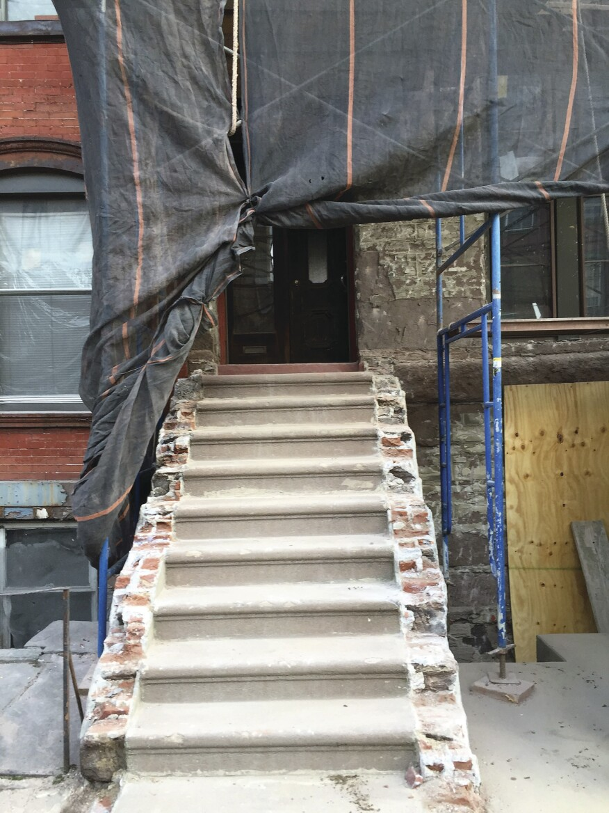 Refinishing A Brownstone Stoop Jlc Online Masonry Staircases Staircase Diagram Classic Stairs And Remodeling Some Were Designed With Closed Stringers Composed Of Brick Mixture