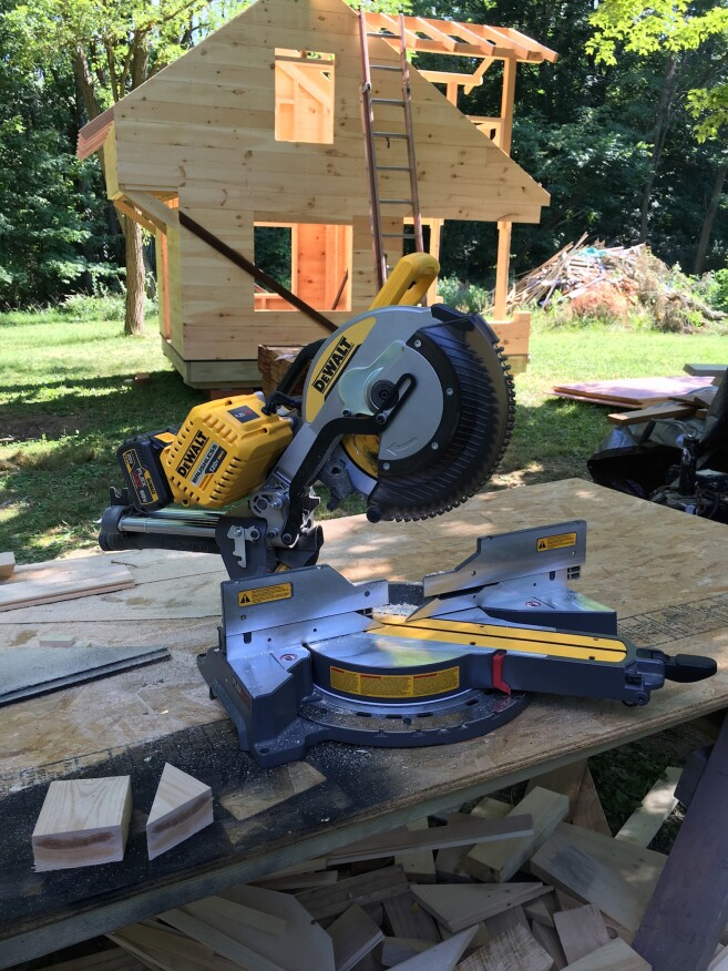 Dewalt 12 Cordless Dual Bevel Sliding Compound Miter Saw Tools Of