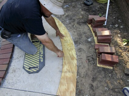 Laying Out a Curved Brick Walk | JLC Online
