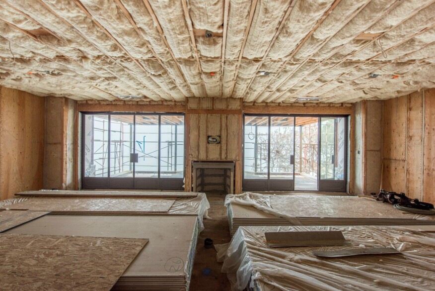 Insulating homes with natural sheep 39 s wool builder for Beach house construction materials