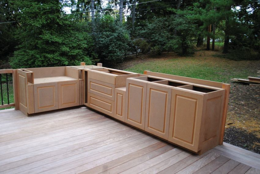 Building Outdoor Cabinets | Professional Deck Builder