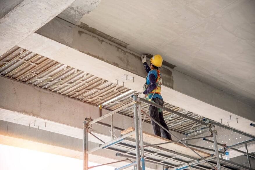 未能手动施加的维修最适合浅,非结构性维修。