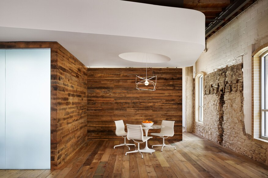 Innovative office design reflects austin startup 39 s for Grand designs 3d renovation interior