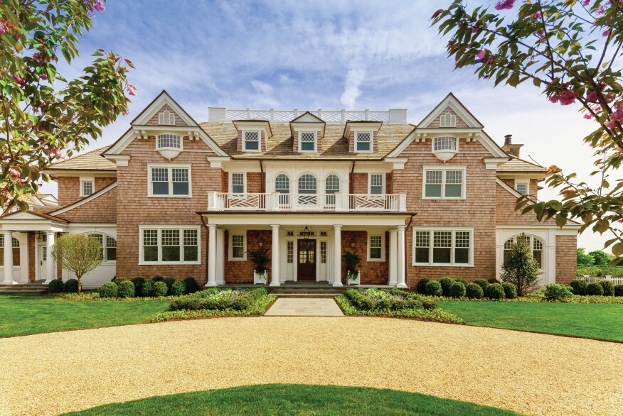 Hamptons vacation home is move in ready builder magazine for Summer homes builder