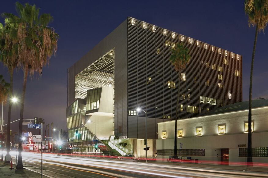Emerson College Los Angeles >> Emerson College Los Angeles Designed By Morphosis Architect