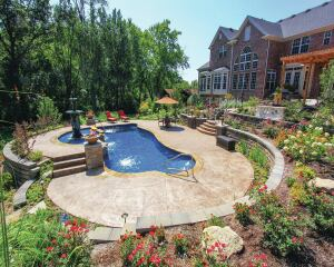 A Prized Fountain Is Centerpiece Of Award Winning St Louis Pool Pool Amp Spa News