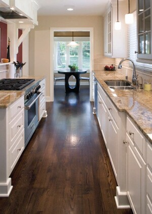 Ranch remodel reclaims open space | Remodeling on ranch cook kitchen, ranch open concept, ranch home kitchen, ranch living room, ranch covered porch, ranch great room,