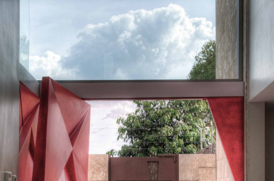 B house architect magazine vivian dembo arquitectura for Modern view decking