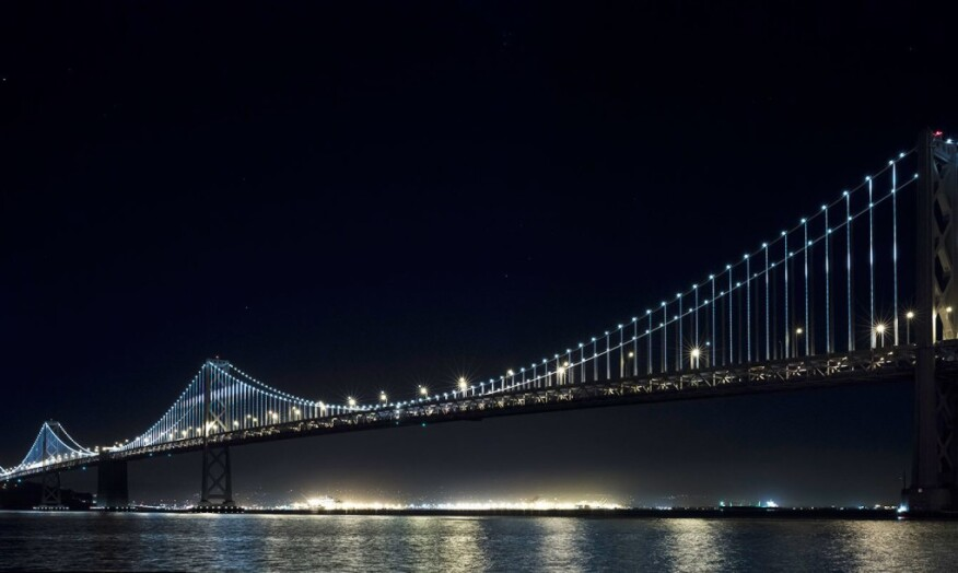 25 000 leds light up the san francisco oakland bay bridge