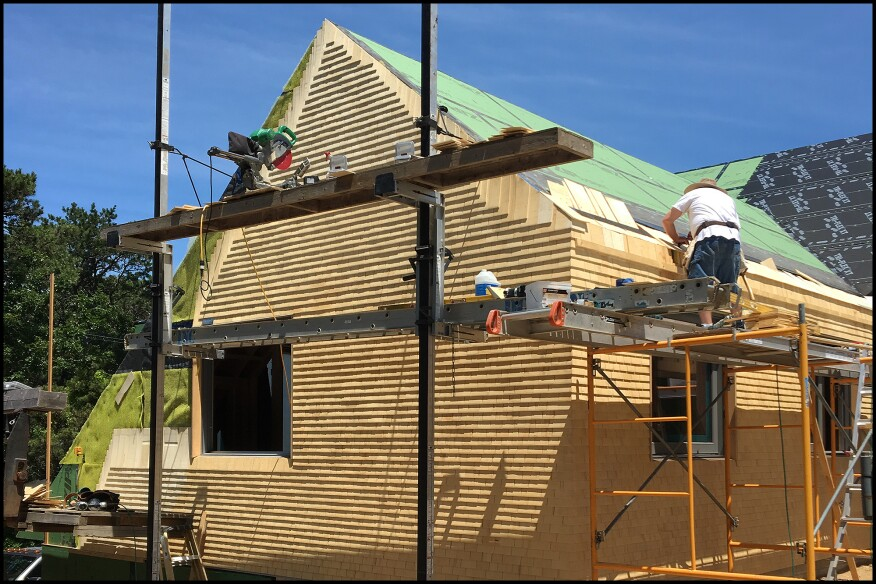 Installing Cedar Shingles On A Custom Oceanfront Home Jlc Online