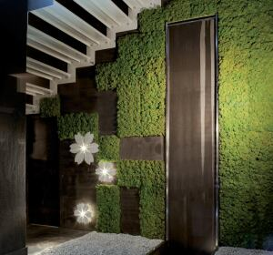 Moss Tile From Benetti Stone Philosophy Uses Natural Lichen Which Has Undergone A Ilization Process And Is Installed On 29 6cm Square Tiles Using