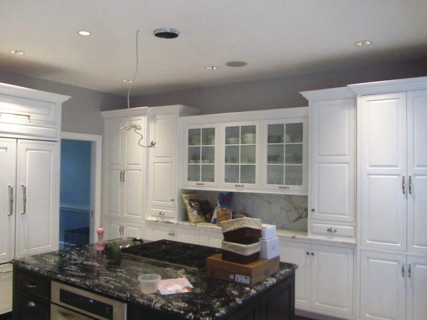 Kitchen Cabinets Ceiling Not Level | Nakedsnakepress.com