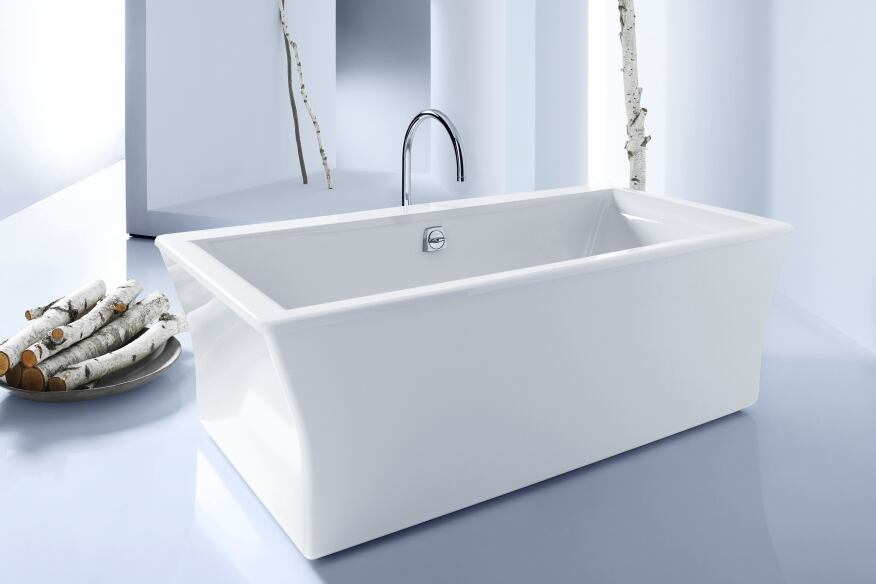 Soak It Up In A Luxury Bathtub Builder Magazine Bath Design - Cast iron bathroom fixtures