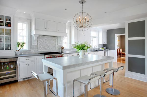 Connected open kitchen design in a dutch colonial style for Open kitchen style