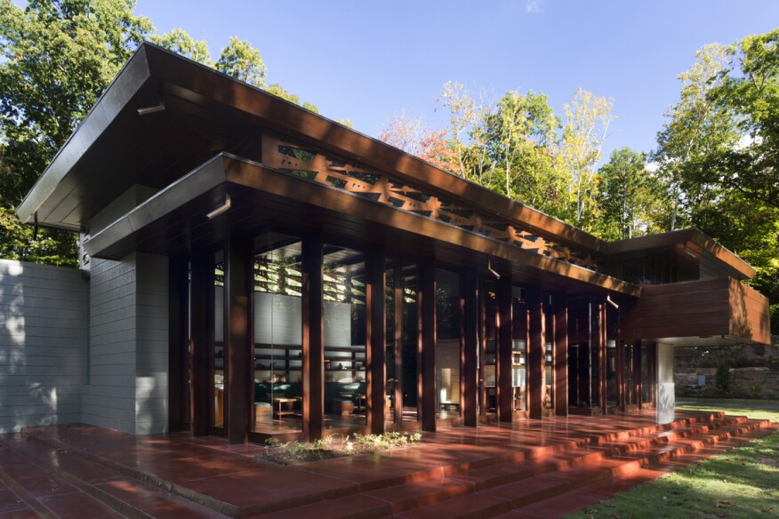 Crystal bridges museum opens frank lloyd wright usonian for Wright architecte
