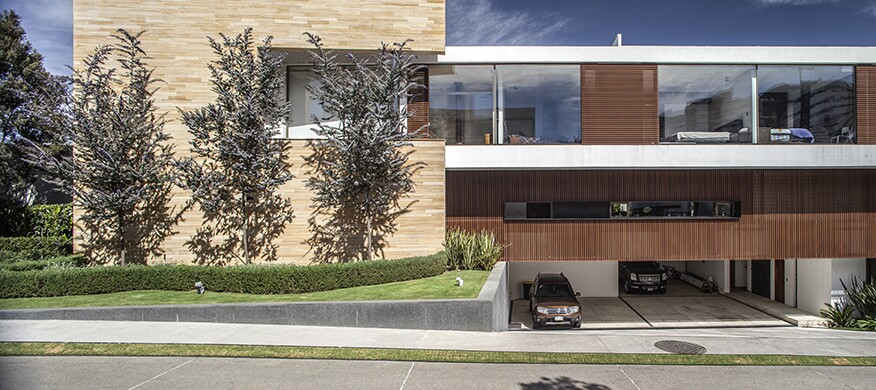 Oak house iv architect magazine almazan arquitectos y for Modern view decking