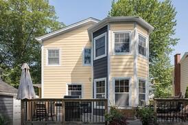 Variform By Ply Gem Ashton Heights Siding Remodeling Siding Vinyl Green Building