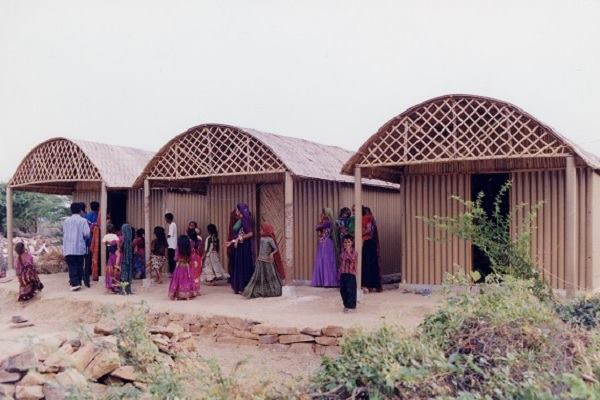 Ban's Paper Log House in India