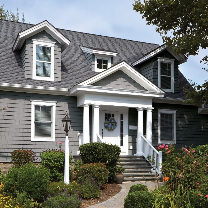 Foundry S Vinyl Siding Your Clients Can Choose From Shakes 7 Inch Shingles And Round Or Fish Scale Shaped The Panels Have A Cl 1 Fire