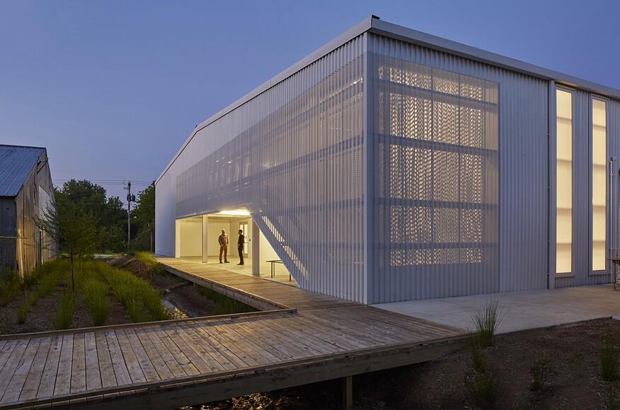 University Of Arkansas Art Design District Sculpture Studio Architect Magazine Modus