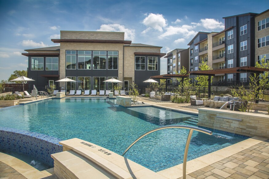 Austin Multifamily Community Embraces Outdoor Living ... on Executive Outdoor Living id=63993