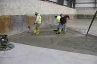 在浇筑混凝土时处理周围环境条件
