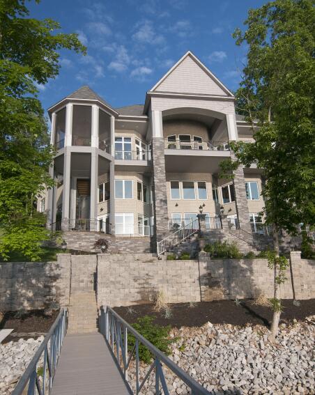 Builder Magazine Online: Waterfront Vacation Home, Estill Springs, Tenn.