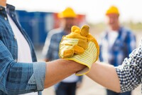 为什么你应该与其他承包商建立联系