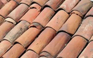 When Nothing But The Real Deal Will Do Clay Tile Offers These Handmade Antique Villa Tiles Salvaged From Roofs Of Haciendas Churches