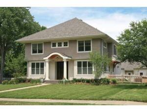 This Charming Craftsman Design By Visbeen Ociates Fits Especially Well Into An Elished City Neighborhood But Is At Home Anywhere