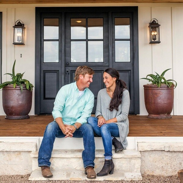 Chip and joanna gaines reach settlement in lead paint case for Custom homes under 200k