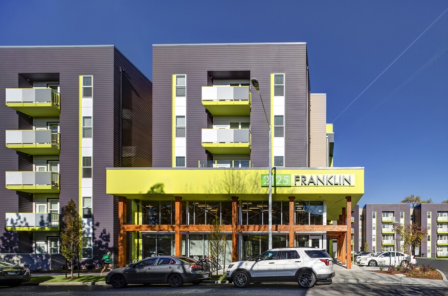 2125 franklin architect magazine ktgy architecture for Residential architects eugene oregon