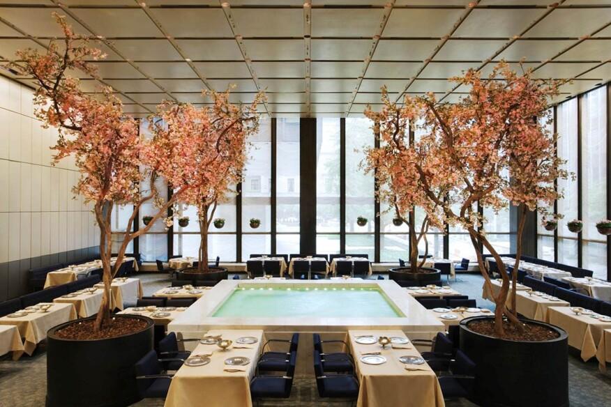 New York S Four Seasons Restaurant Awarded First Design Icon
