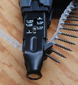 Senco DS212 18-Volt Li-Ion Auto-Feed Screwdriver | Tools of the Trade