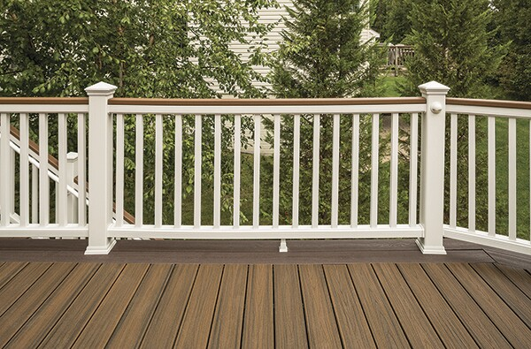 Manufactured Alternatives Help Decking Options Surge