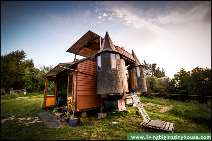 A Solar-Powered Mobile Home That Converts Into a Castle ... on home mobile home, electric mobile home, siding mobile home, residential mobile home, de markies mobile home, antique vintage mobile home, universal mobile home, heat pumps mobile home, water mobile home, gutters mobile home, windows mobile home, hybrid mobile home, double roof on mobile home, real estate mobile home, steel mobile home, earth mobile home, flooring mobile home, green mobile home, insulation mobile home, natural gas mobile home,