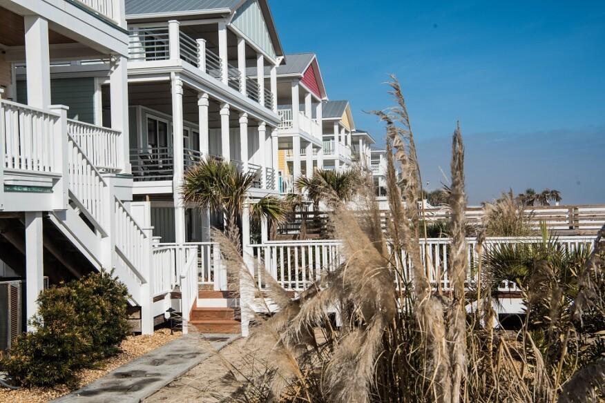 The Decks of Hurricane Alley | Professional Deck Builder | Decks ...