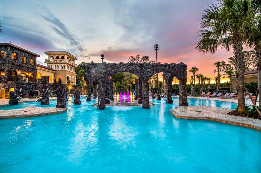 Luxury 4 steps Disney Parks - Walt Disney World ´´Four