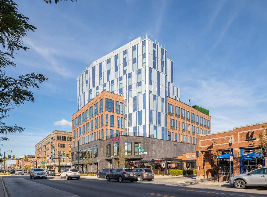 A New Moxy Hotel in Columbus, Ohio, Rethinks the Guest Experience (image)