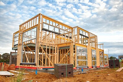 Construction Starts Expected to Remain Flat in 2019 | Builder Magazine