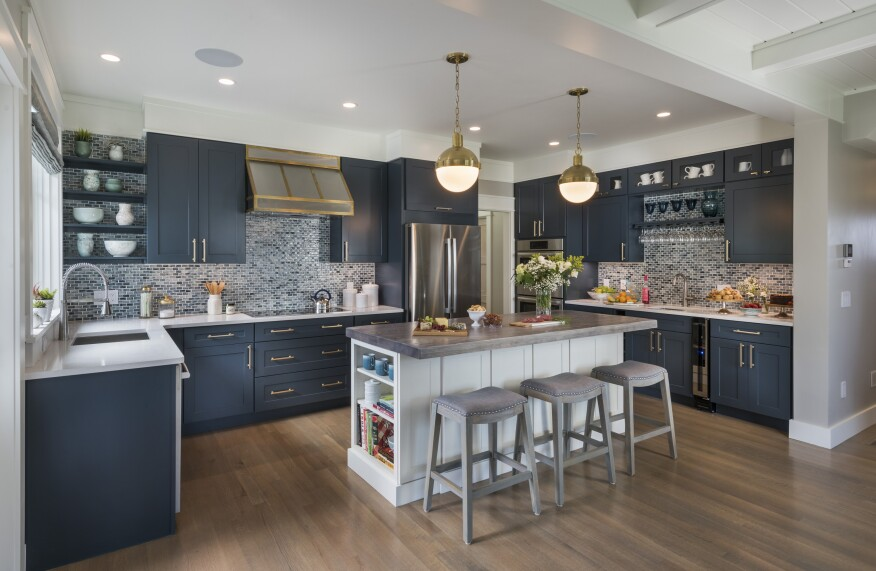 Coastal Kitchen Creates Subdued Sophisticated Nautical Look
